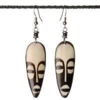 Ohrringe mit Hornanhänger-Maske